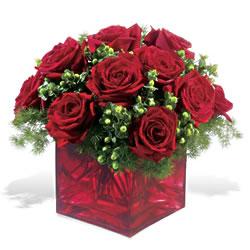 Sinop hediye çiçek yolla  9 adet kirmizi gül cam yada mika vazoda