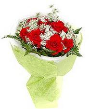 Sinop çiçekçiler  7 adet kirmizi gül buketi tanzimi