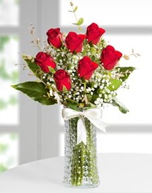 Cam vazoda 7 adet kırmızı gül  Sinop çiçekçiler