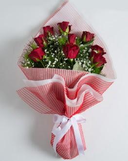 9 adet kırmızı gülden buket  Sinop internetten çiçek satışı