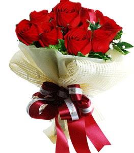 9 adet kırmızı gülden buket tanzimi  Sinop ucuz çiçek gönder
