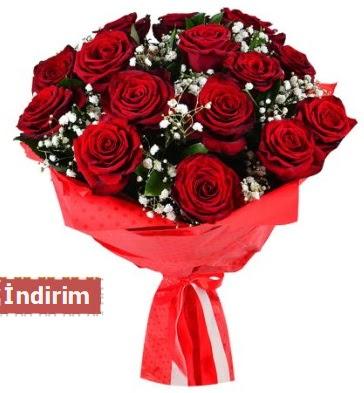 12 Adet kırmızı aşk gülleri  Sinop internetten çiçek satışı