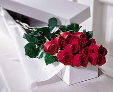Sinop internetten çiçek satışı  özel kutuda 12 adet gül