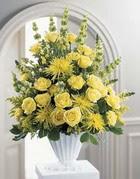Sinop cicek , cicekci  sari güllerden sebboy tanzim çiçek siparisi