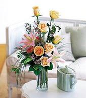 Sinop çiçekçiler  cam yada mika vazo içerisinde gül kazablanka