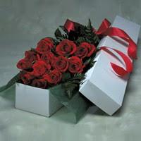 Sinop hediye sevgilime hediye çiçek  11 adet gülden kutu