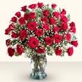 Sinop uluslararası çiçek gönderme  33 adet kirmizi gül cam yada mika vazoda
