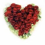 kalp biçiminde 15 gülden   Sinop çiçek yolla