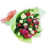 12 adet renkli gül buketi   Sinop ucuz çiçek gönder