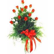 12 adet kirmizi gülden buket   Sinop hediye çiçek yolla