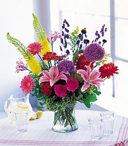 Sinop çiçek servisi , çiçekçi adresleri  karisik mevsimsel çiçeklerden hos bir vazo tanzimi