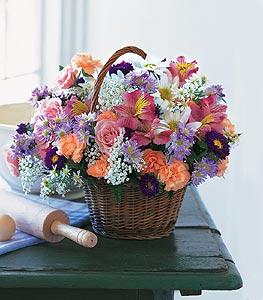 Sinop çiçek servisi , çiçekçi adresleri  Kocaman bir mevsim demeti sepet içerisinde