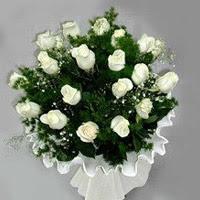Sinop çiçek siparişi vermek  11 adet beyaz gül buketi ve bembeyaz amnbalaj