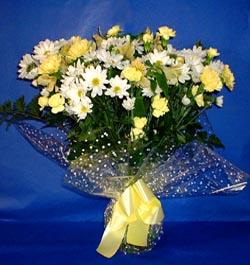 Sinop çiçek siparişi vermek  sade mevsim demeti buketi sade ve özel