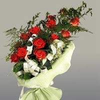 Sinop internetten çiçek siparişi  11 adet kirmizi gül buketi sade haldedir