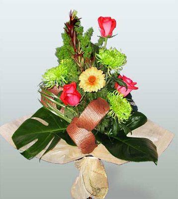 Sinop internetten çiçek siparişi  3 adet gül 4 adet gerbera çiçegi sade buket