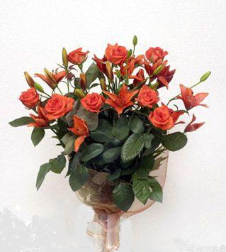 9 adet gül ve 3 adet lilyum çiçegi buketi   Sinop çiçek online çiçek siparişi