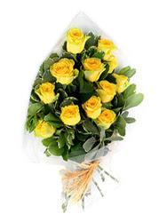 Sinop çiçek yolla  12 li sari gül buketi.