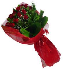 Sinop ucuz çiçek gönder  10 adet kirmizi gül demeti