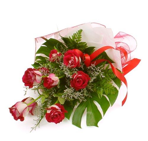 çiçek gönder 7 adet kirmizi gül buketi  Sinop çiçek gönderme sitemiz güvenlidir