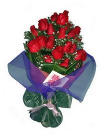 12 adet kirmizi gül buketi  Sinop hediye sevgilime hediye çiçek
