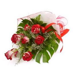 Çiçek gönder 9 adet kirmizi gül buketi  Sinop anneler günü çiçek yolla