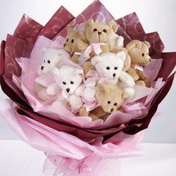 9 adet ayiciktan buket  Sinop 14 şubat sevgililer günü çiçek