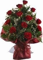Sinop uluslararası çiçek gönderme  9 Adet kirmizi gül buketi