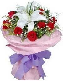 9 adet kirmizi gül 1 adet kazablanka buketi  Sinop online çiçek gönderme sipariş