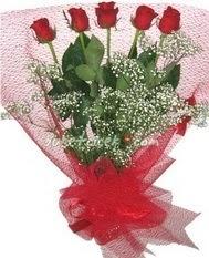 5 adet kirmizi gülden buket tanzimi  Sinop hediye çiçek yolla