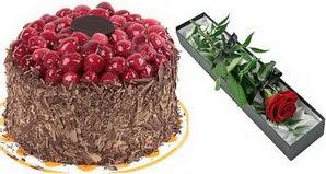 1 adet yas pasta ve 1 adet kutu gül  Sinop çiçek mağazası , çiçekçi adresleri