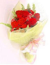 9 adet kirmizi gül buketi  Sinop çiçek online çiçek siparişi