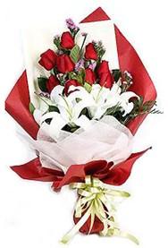 Sinop çiçek siparişi vermek  9 adet gül 2 adet kazablanka buketi