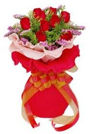 Sinop çiçek servisi , çiçekçi adresleri  8 Adet kirmizi güllerden buket tanzimi