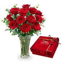 Sinop online çiçek gönderme sipariş  10 adet cam yada mika vazoda gül çikolata