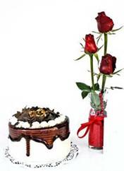 Sinop anneler günü çiçek yolla  vazoda 3 adet kirmizi gül ve yaspasta
