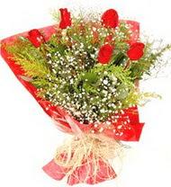 Sinop güvenli kaliteli hızlı çiçek  5 adet kirmizi gül buketi demeti