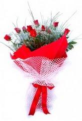 Sinop çiçek , çiçekçi , çiçekçilik  9 adet kirmizi gül buketi demeti