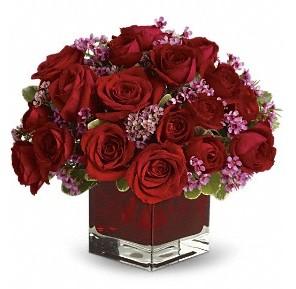 11 adet kırmızı gül vazosu  Sinop uluslararası çiçek gönderme