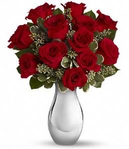 Sinop anneler günü çiçek yolla   vazo içerisinde 11 adet kırmızı gül tanzimi