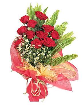 Sinop çiçek , çiçekçi , çiçekçilik  11 adet kırmızı güllerden buket modeli