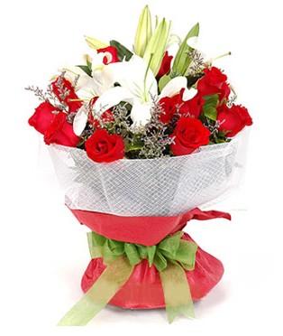 Sinop çiçek siparişi vermek  1 dal kazablanka 11 adet kırmızı gül buketi