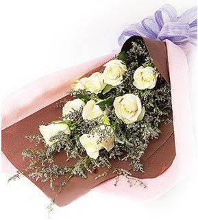 Sinop çiçek online çiçek siparişi  9 adet beyaz gülden görsel buket çiçeği
