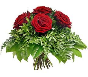 Sinop İnternetten çiçek siparişi  5 adet kırmızı gülden buket
