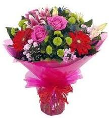 Karışık mevsim çiçekleri demeti  Sinop hediye sevgilime hediye çiçek