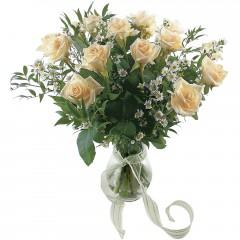 Vazoda 8 adet beyaz gül  Sinop kaliteli taze ve ucuz çiçekler