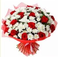 11 adet kırmızı gül ve beyaz kır çiçeği  Sinop cicekciler , cicek siparisi