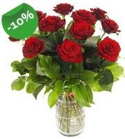 11 adet vazo içerisinde kırmızı gül  Sinop hediye sevgilime hediye çiçek