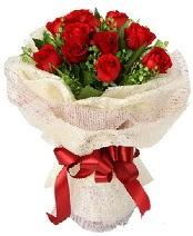 12 adet kırmızı gül buketi  Sinop güvenli kaliteli hızlı çiçek