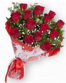 11 kırmızı gülden buket  Sinop çiçek yolla